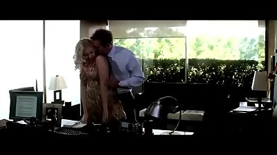 Scarlett Johansson Sexy Kiss Bradley Cooper - He's Just Not that Into you
