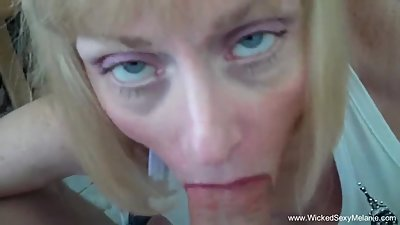 Mature Lady Knows How To Suck