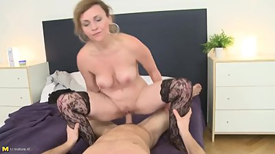 Horny Stepmom Malisa Sucking And Fucking