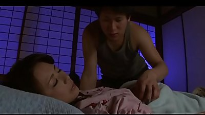 Pornallday.com - Jap Boy Sneaked Into Mom'_s Bed Late At Night