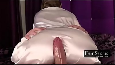 Mature Mom Gives Son a morning Blowjob!-FREE TABOO videos at FAMSEX.US