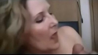 Amateur Milf Hooks Up With Younger Boy - Watch Part2 on porn4us.org