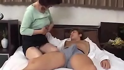 Japanese Milf Mom Seduces Young Man - Watch Part2 on porn4us.org