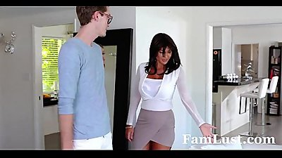 College Bro Cums Home to Horny Sis - FamLust.com