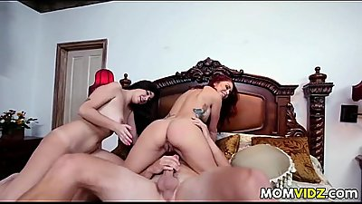 Karlee Grey In Bathtub 3some With Stepmom Monique Alexander