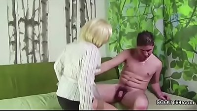 Step-Son Caught MILF Mother and Seduce her to Fuck