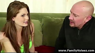 Teen daughter sucking older guy&#039_s cock in family oral sex